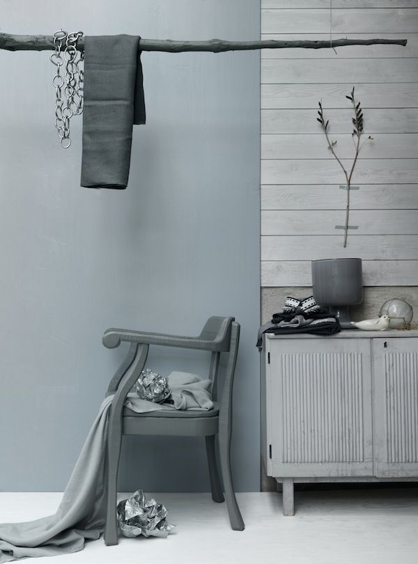 selinesteba.com - grey-wall-dwell