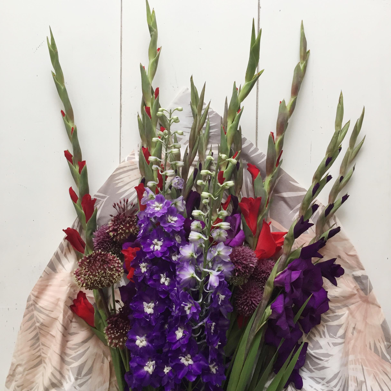 Deze bloemen doorstaan een hittegolf (en zo combineer ik ze in mijn interieur)