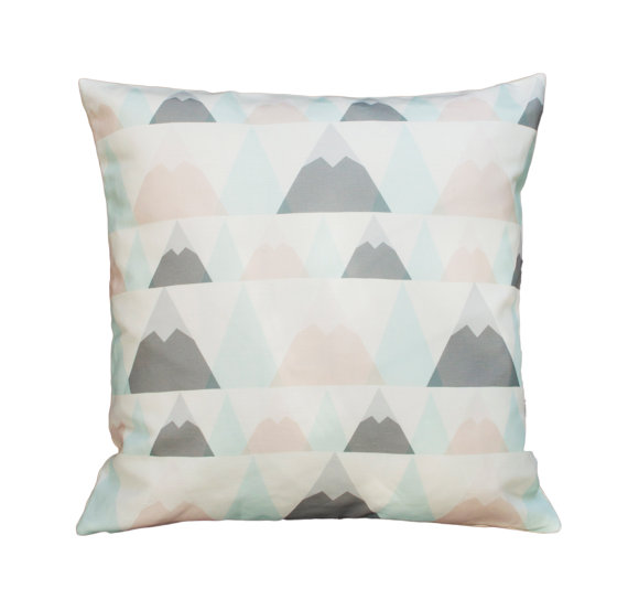 selinesteba.com - plumed-pillow3-1