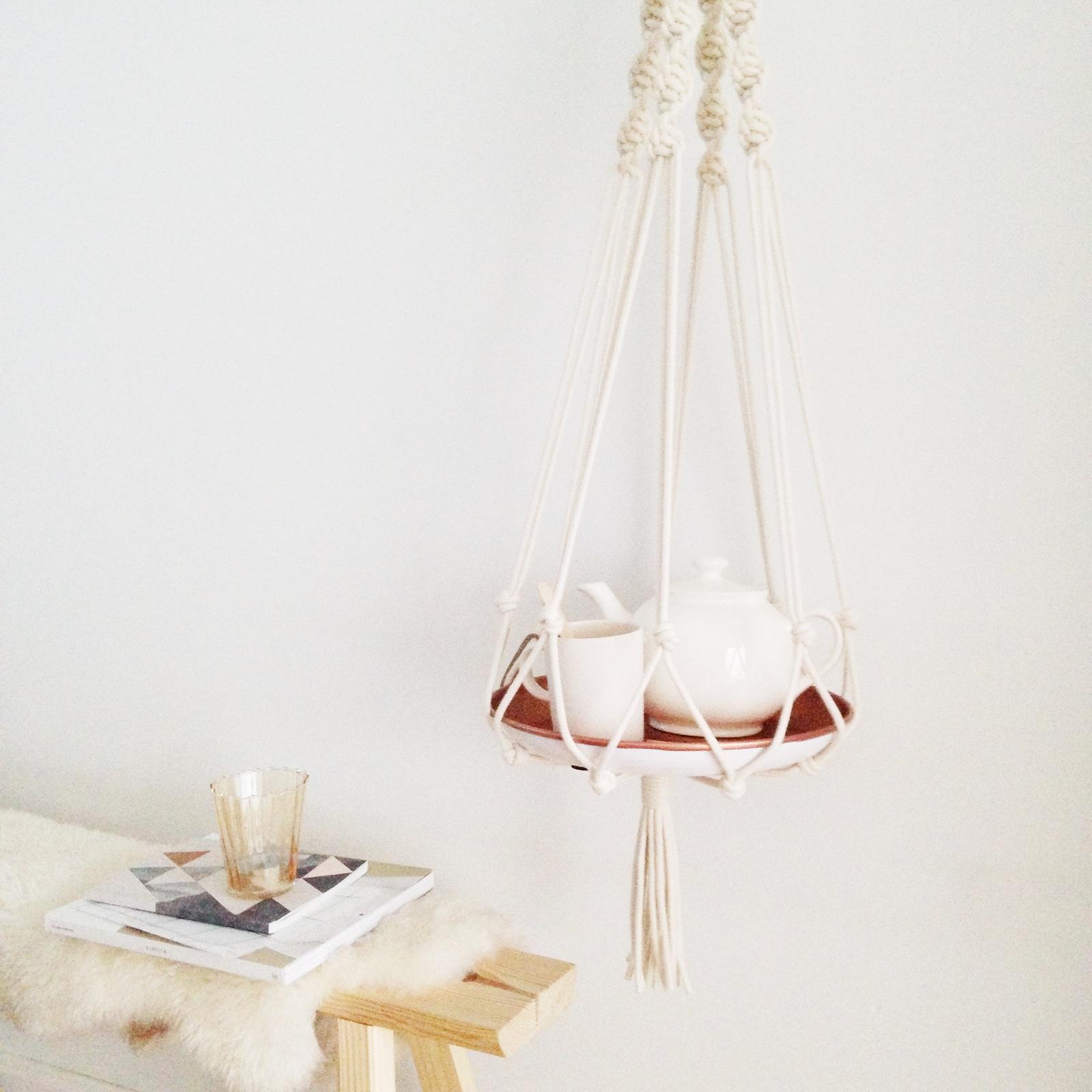 selinesteba.com - Snoeps hanger thee